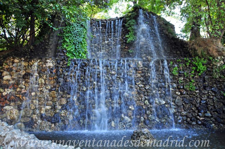 Fuentes y cascadas para jardin stylish backyard u garden for Fuentes y cascadas para jardin