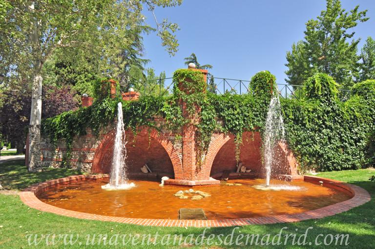 El retiro jardines de cecilio rodr guez for Estanques rusticos