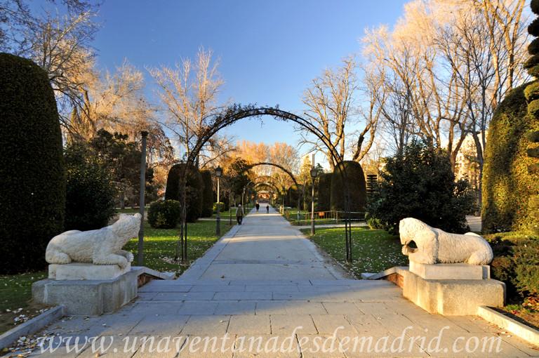 El retiro jardines de herrero palacios antigua casa de for Casa y jardin madrid